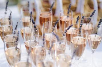 reception-mariage-vin-caviste-salon-mariage-pau